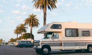 ¿Cómo asegurar caravanas y autocaravanas